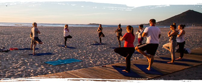 Yoga bei AllYouCanSurf in Petten.